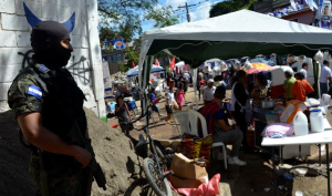 A voting station in Tegucigalpa, Photo by murray bush: flux photo.